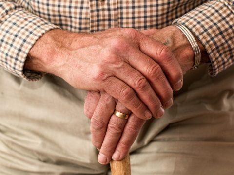 Seniorenhandy richtig benutzen. Tipps auf seniorenhandys-test.de