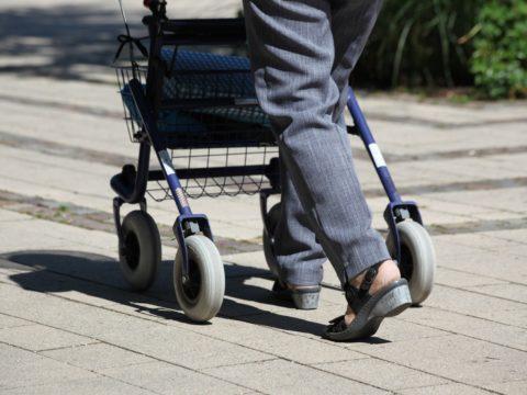 Seniorenhandy mit Sturzerkennung auf seniorenhandys-test.de
